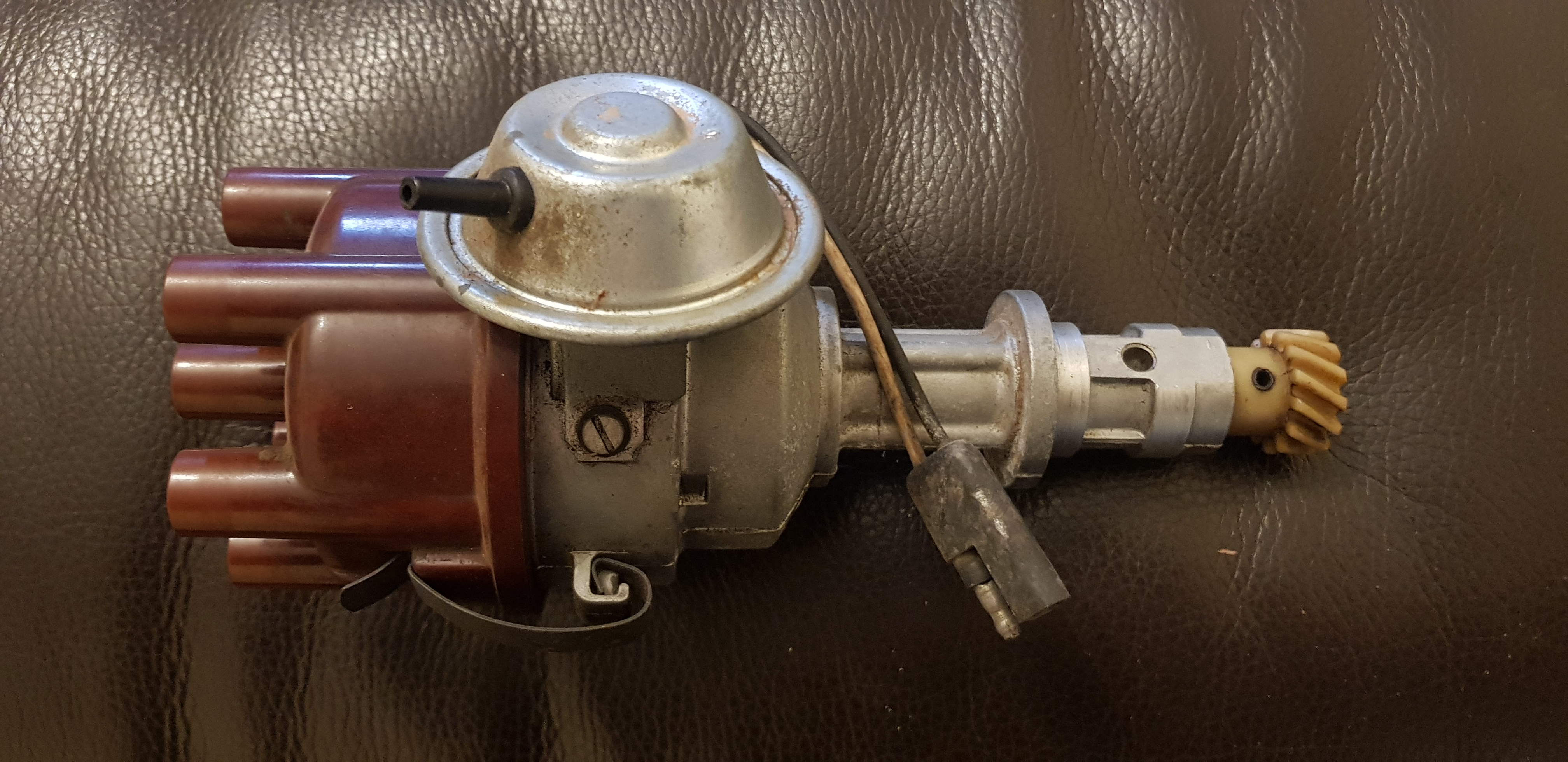 Hemi Electronic Distributor. Rebuilt in 1986, unused since